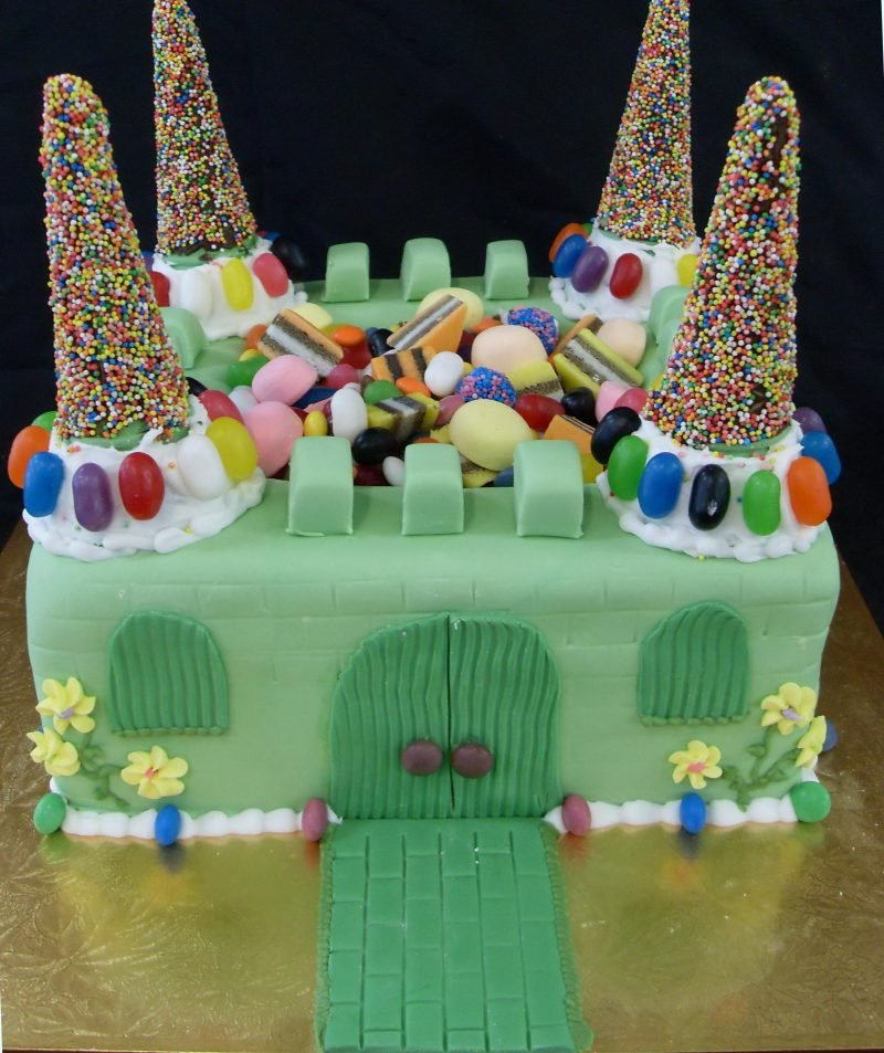 3d Castle In Green Birthday Cake Kidds Cakes Bakery