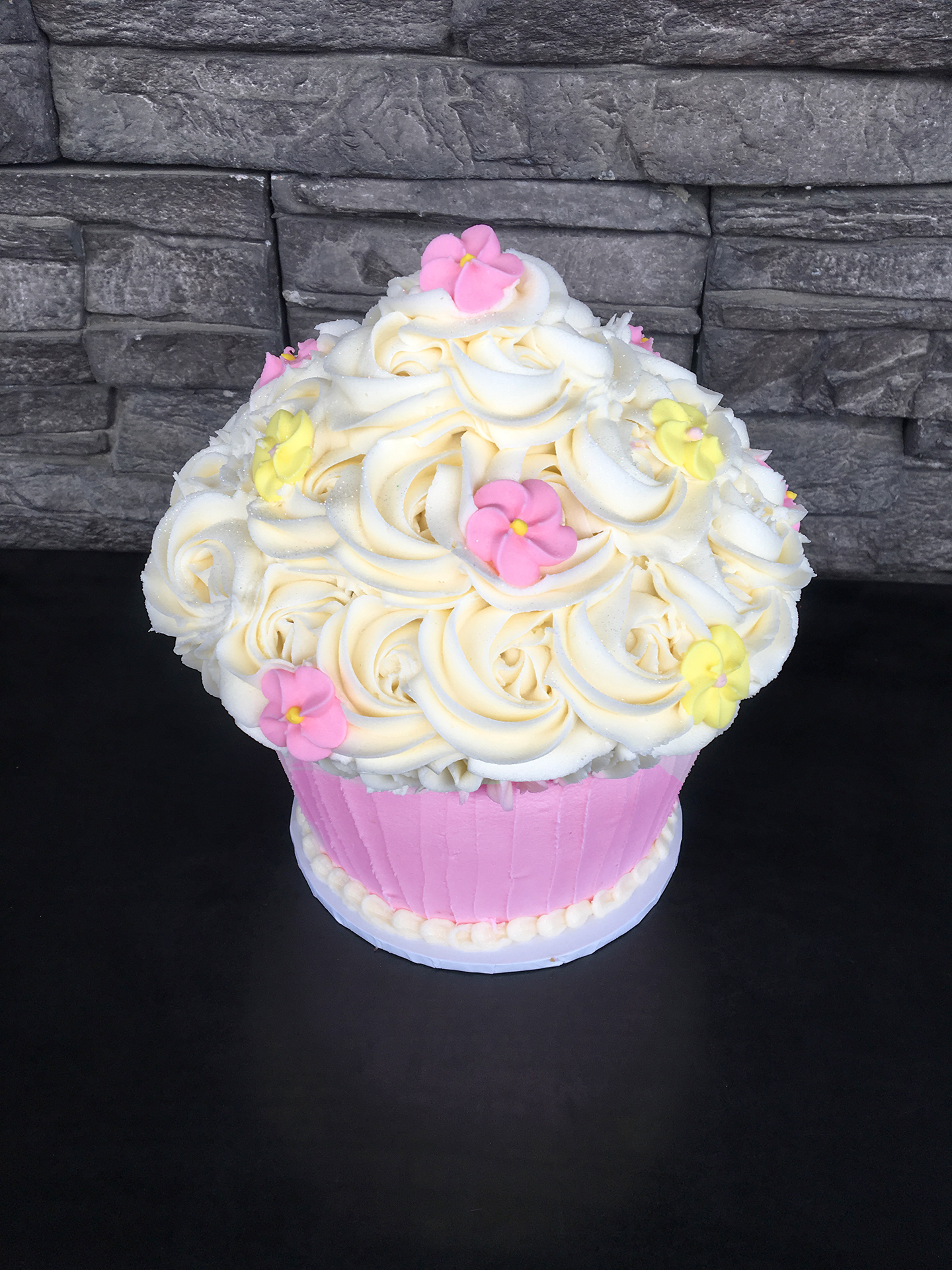 Giant Cupcake Birthday Cake Description